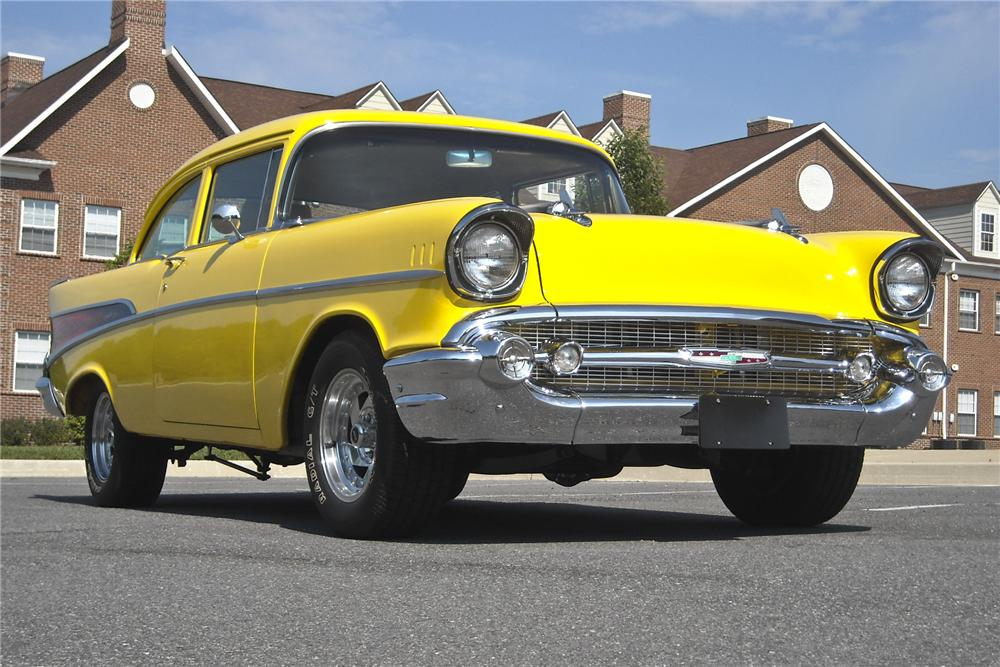 1957 CHEVROLET 210 CUSTOM 2 DOOR SEDAN - Front 3/4 - 97879