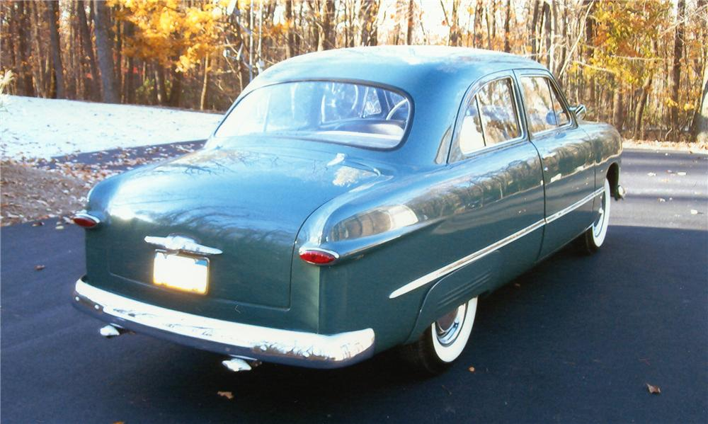 1949 FORD CUSTOM 2 DOOR COUPE - Rear 3/4 - 97887