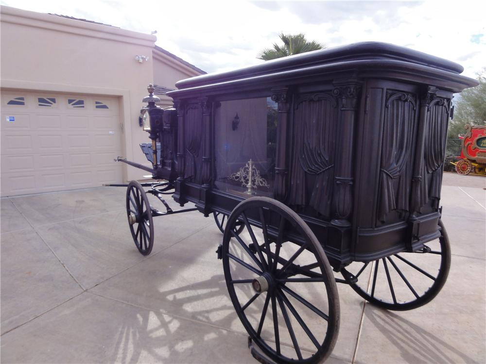 0 STAGE COACH 2 HORSE DRAWN HEARSE - Rear 3/4 - 97899