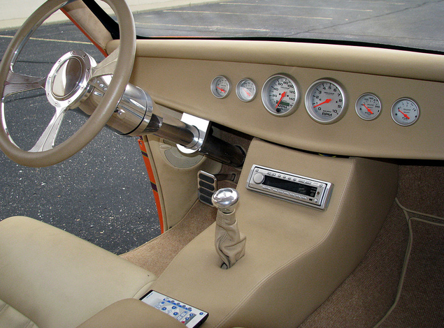 1933 FORD CUSTOM COUPE - Interior - 97907