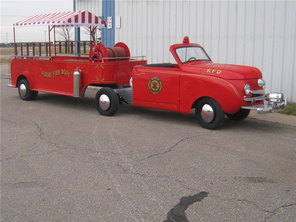 1949 CROSLEY HOOK AND LADDER FIRE TRUCK - Front 3/4 - 97909
