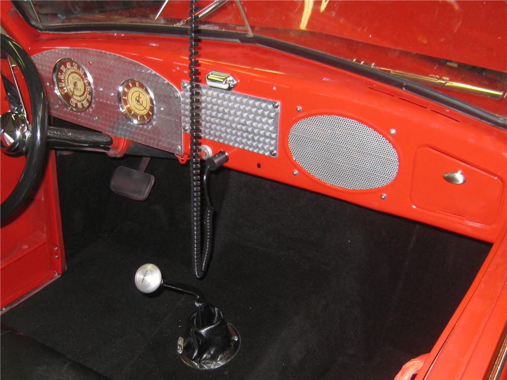 1949 CROSLEY HOOK AND LADDER FIRE TRUCK - Interior - 97909
