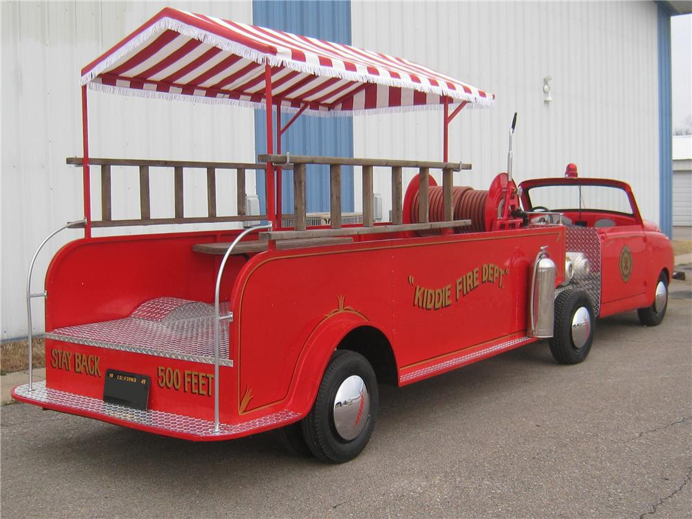 1949 CROSLEY HOOK AND LADDER FIRE TRUCK - Rear 3/4 - 97909