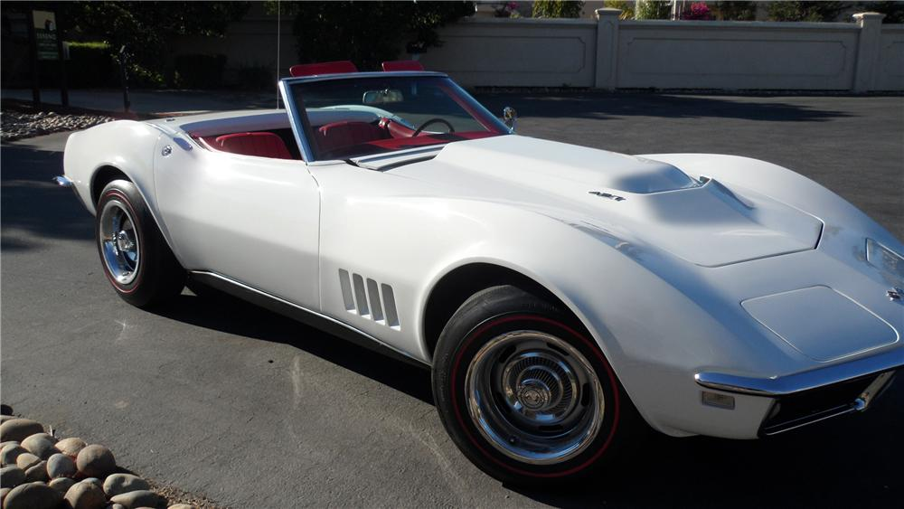 1968 CHEVROLET CORVETTE CONVERTIBLE - Front 3/4 - 98056