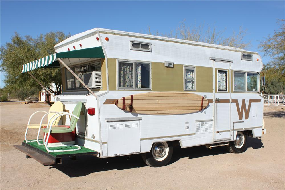 1969 WINNEBAGO MOTORHOME - Side Profile - 98085
