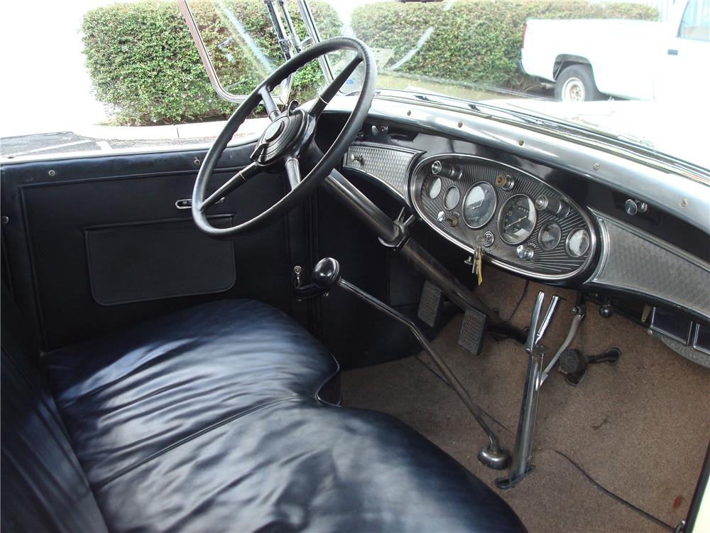 1931 CADILLAC 355 A ROADSTER - Interior - 98088