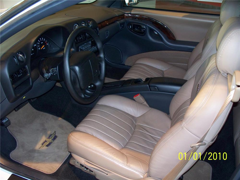 1995 CHEVROLET MONTE CARLO BRICKYARD 400 PACE CAR - Interior - 98090