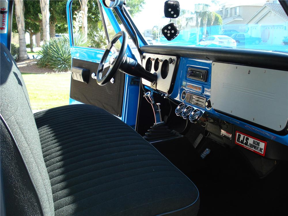 1970 GMC 1/2 TON CUSTOM PICKUP - Interior - 98091