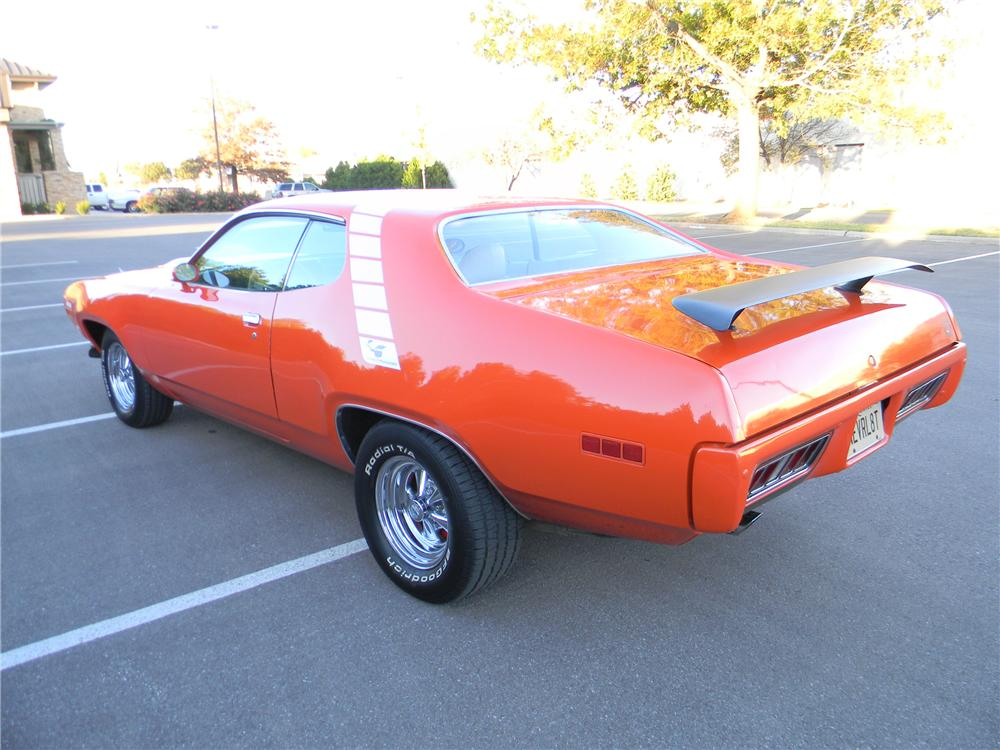 1971 PLYMOUTH ROAD RUNNER 2 DOOR HARDTOP - Rear 3/4 - 98092