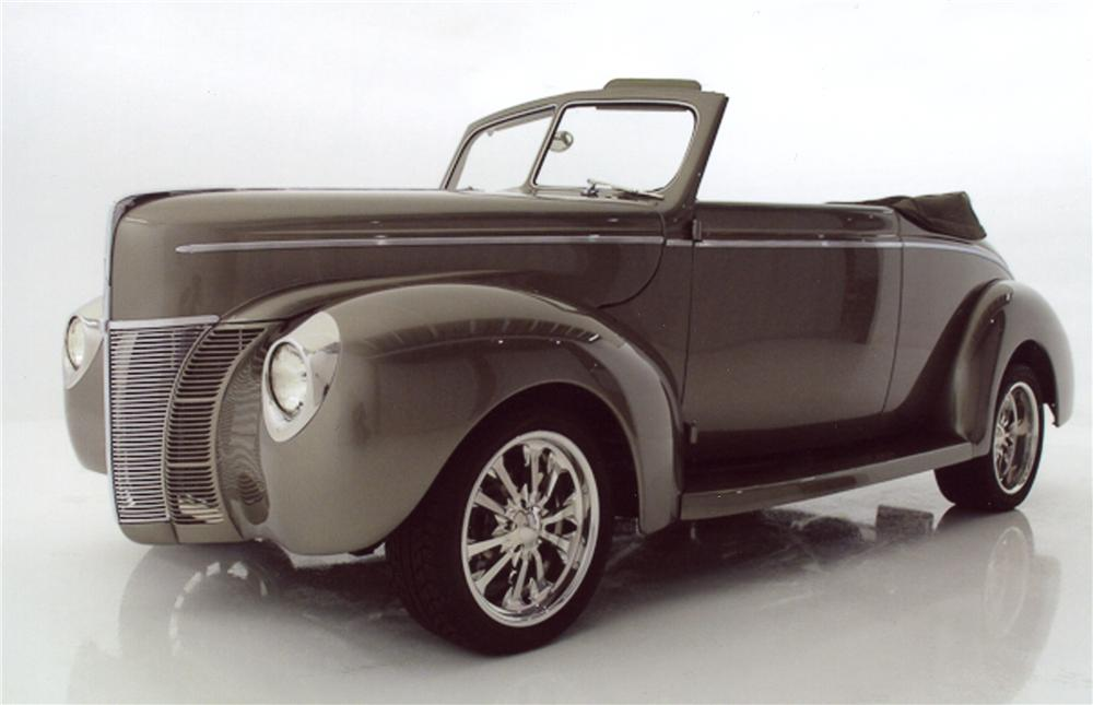 1940 FORD CUSTOM CONVERTIBLE - Front 3/4 - 98114