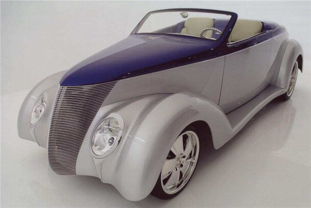 1937 FORD CUSTOM CONVERTIBLE - Front 3/4 - 98115