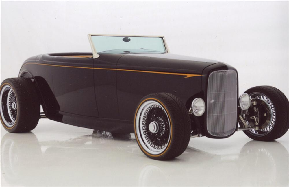 1932 FORD CUSTOM ROADSTER - Front 3/4 - 98116