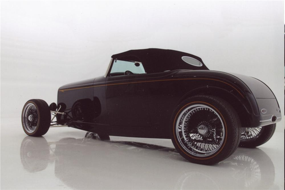 1932 FORD CUSTOM ROADSTER - Rear 3/4 - 98116