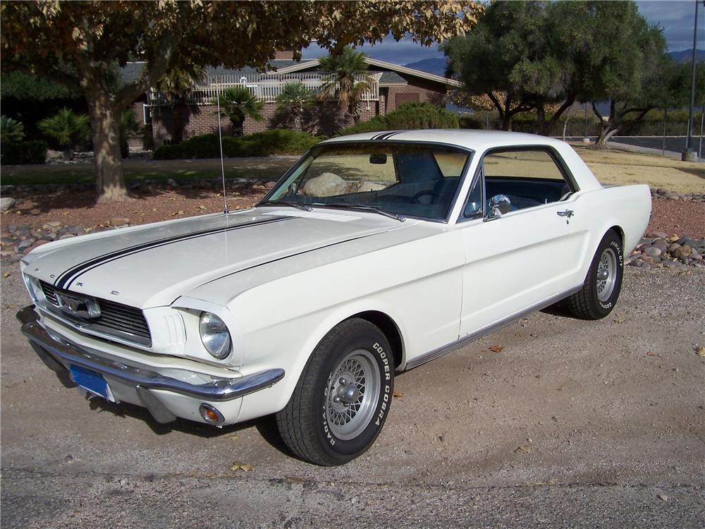 1966 FORD MUSTANG SPRINT 2 DOOR COUPE - Front 3/4 - 98122