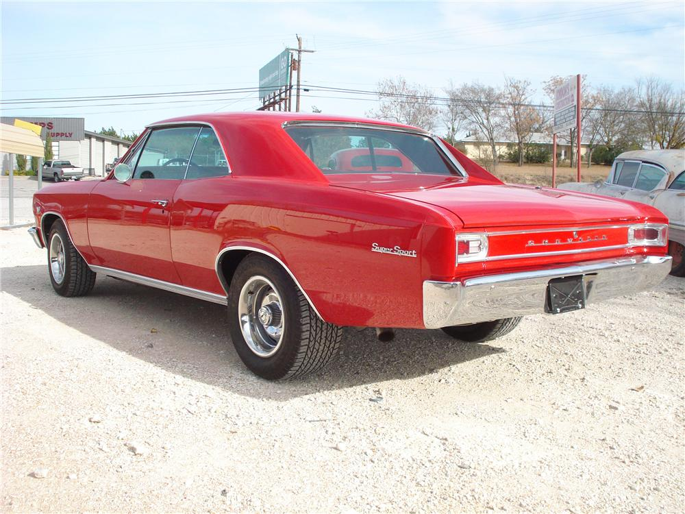 1966 CHEVROLET CHEVELLE CUSTOM 2 DOOR HARDTOP - Rear 3/4 - 98135