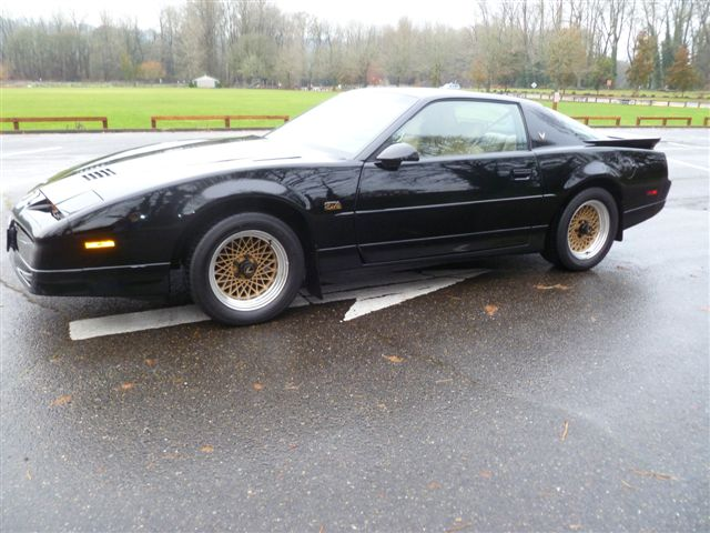 1987 PONTIAC FIREBIRD TRANS AM GTA 2 DOOR COUPE - Front 3/4 - 98136