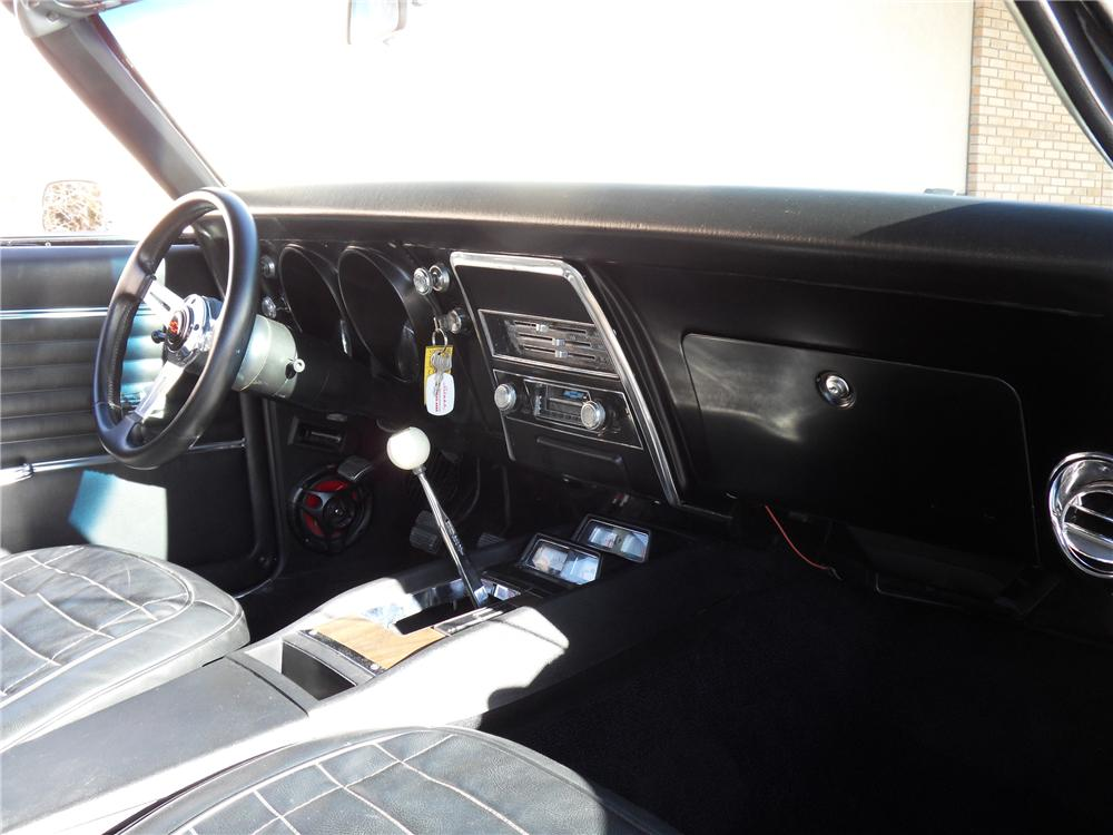 1968 CHEVROLET CAMARO CONVERTIBLE - Interior - 98177