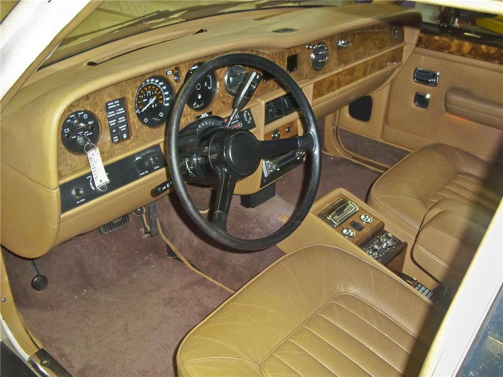 1986 ROLLS-ROYCE SILVER SPIRIT 4 DOOR SEDAN - Interior - 98613