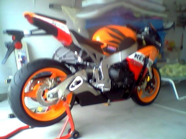 2009 HONDA CBR1000R REPSOL EDITION MOTORCYCLE - Rear 3/4 - 98655