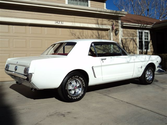 1965 FORD MUSTANG CUSTOM 2 DOOR COUPE - Rear 3/4 - 98853