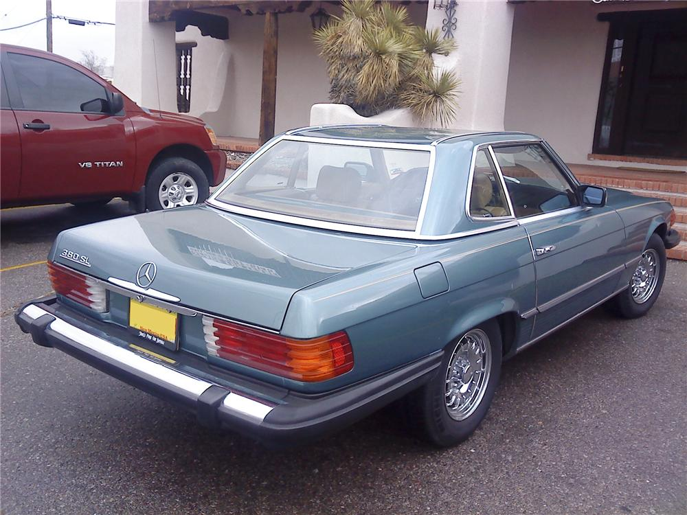 1984 MERCEDES-BENZ 380SL CONVERTIBLE - Rear 3/4 - 99177