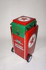 Sharp 1950s restored Texaco Oil service department battery charger on wheels. - Front 3/4 - 130713
