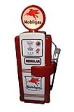 Very impressive 1950s Mobil Oil Wayne 100 restored service station pump with hard to find hose rotator. - Front 3/4 - 130769