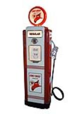 Stupendous late 1940s-50s restored Texaco Oil Wayne model #70 service station gas pump. - Front 3/4 - 154638