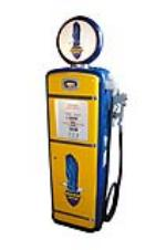 Good looking late 1940s-50s Richfield Oil Gilbarco restored service station gas pump. - Front 3/4 - 154640