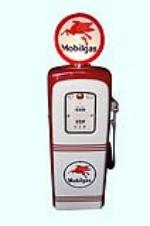 Sharp 1948 Mobil Oil M&S model #80 restored service station gas pump.  Restored to show car quality standards. - Front 3/4 - 158125