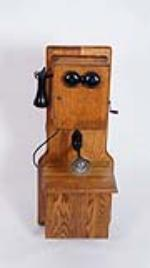 Beautifully restored early wooden hand crank telephone. - Front 3/4 - 175046