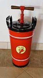1930's restored Texaco Fire Chief service department hand pump fire extinguisher. - Front 3/4 - 179097