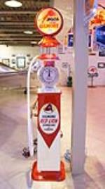 Custom crafted Wayne 1920's clock face gas pump finished in Gilmore Oil regalia. - Front 3/4 - 179260
