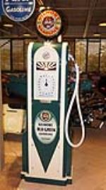 Exquisite 1930's Gilmore Gasoline Wayne model 60 restored service station gas pump. - Front 3/4 - 179566