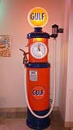 1920's Tokheim 850 Gulf Oil restored clock face gas pump with glass hose filter. - Front 3/4 - 179777