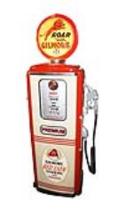 "Impressive early 1950s Gilmore Oil ""Roar with Gilmore Gasoline"" Tokheim model 300 restored service station gas pump. - Front 3/4 - 187835"