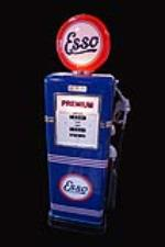 Sharp 1948 restored Esso Bowser model #595 service station gas pump. - Front 3/4 - 192177