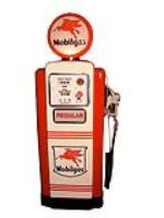 Impeccably restored 1950s Wayne model 100 Mobil gas pump. - Front 3/4 - 64586