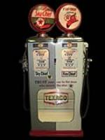 Impossible to find 1937 Texaco Service Station Erie modle #229bdoudle gas pump with showcase feature. - Front 3/4 - 72307