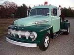 1952 FORD F-3 TOW TRUCK - Front 3/4 - 117500