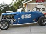 1934 FORD HI-BOY CUSTOM ROADSTER - Front 3/4 - 133081