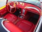 1962 CHEVROLET CORVETTE CONVERTIBLE - Interior - 138373