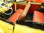 1949 WILLYS JEEPSTER CONVERTIBLE - Interior - 154272