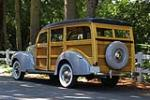1940 FORD SUPER DELUXE WOODY WAGON - Rear 3/4 - 161650