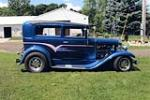 1930 FORD CUSTOM 2 DOOR SEDAN - Side Profile - 162400