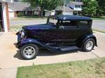 1931 FORD CUSTOM VICKY - Front 3/4 - 174680