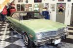 1974 DODGE DART SWINGER 2 DOOR HARDTOP - Front 3/4 - 71677