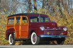 1946 FORD WOODY WAGON - Front 3/4 - 81335